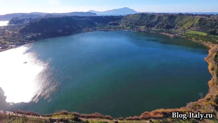 Озеро Аверно