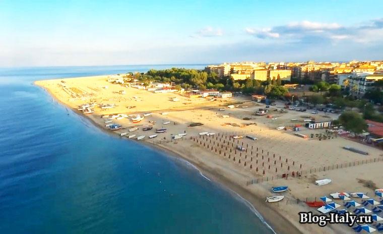 Пляж в Калабрии