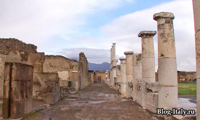 Улицы древнего города Помпеи