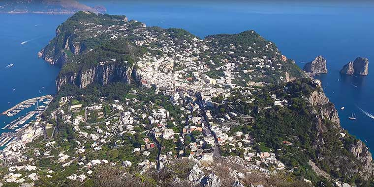 Остров Капри вид на город сверху