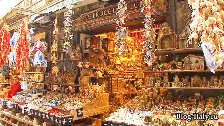 Сувенирная лавка в Неаполе