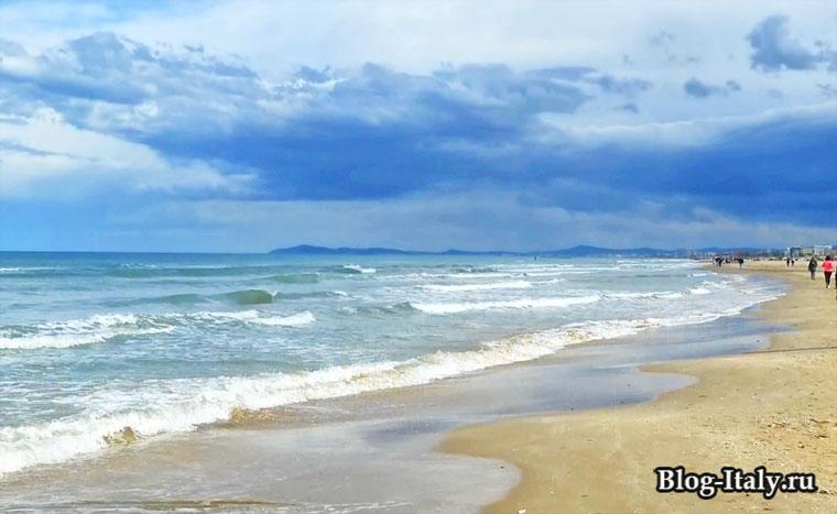 Вид на море Римини