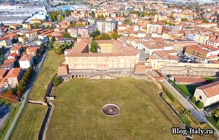 Эмилия-Романья город Болонья вид сверху