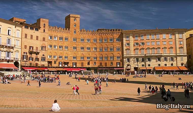 Городская площадь в Сиене