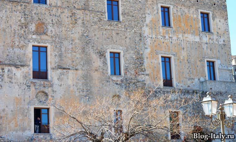 Palazzo dei Principi Spinelli