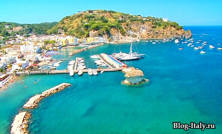 Порт острова Искья