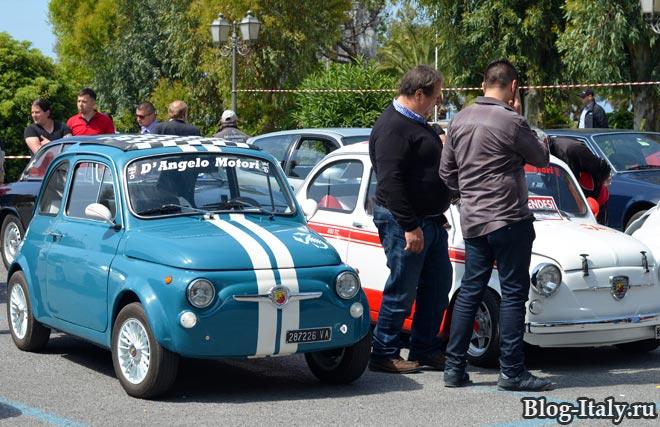 fiat 500 abarth на выставке исторических авто в Скалее