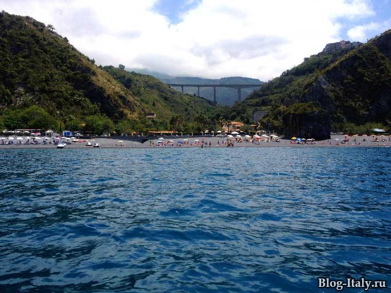 Пляж Сан-Никола-Арчелла