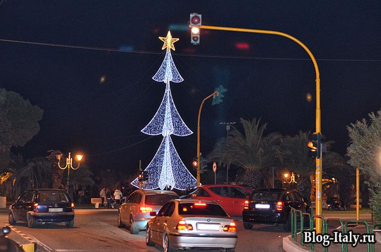 Новогодняя елка в Скалее