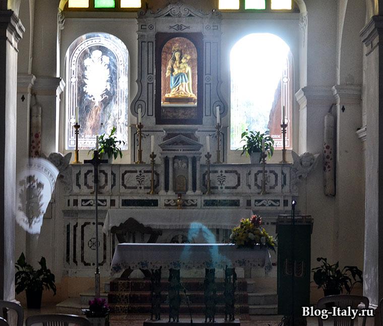 Церковь Мадонны делла гротта