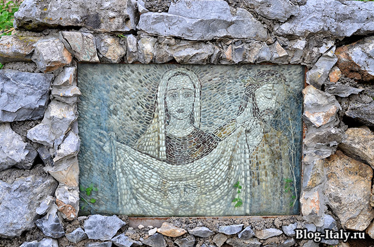 Мозаика с изображением Святой Марии