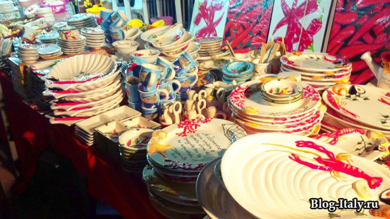 посуда на фестивале острого перца в Диаманте