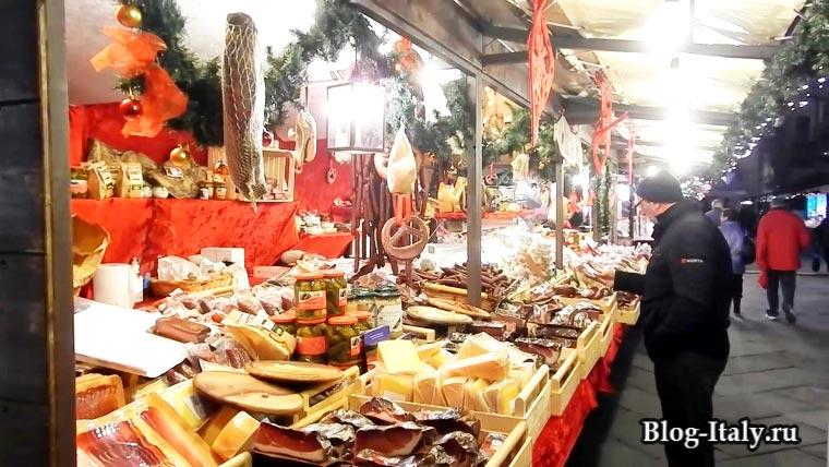 Рождественский рынок в Италии