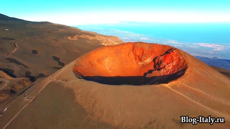 кратер вулкана Этна