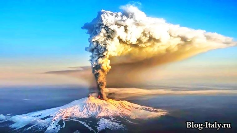 извержение вулкана на Сицилия