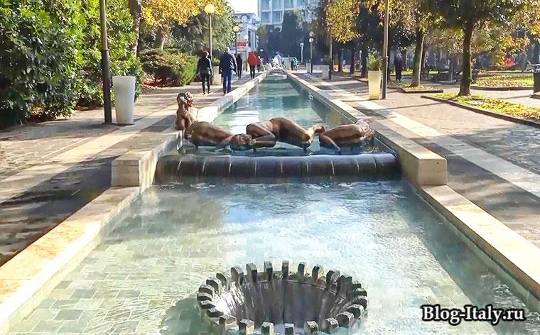 фонтан в итальянском городе