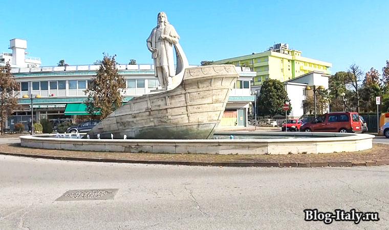 памятник в итальянском городе