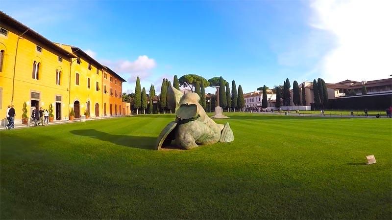 Памятник в Пизе